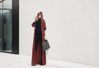 bekleidet blogger long cardigan purse