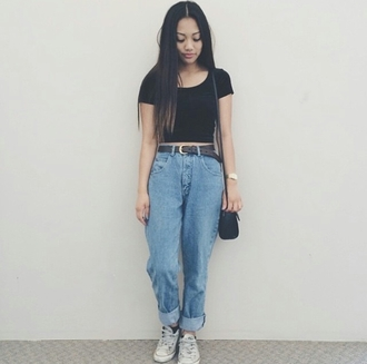 boyfriend jeans black top black crop top dope trendy converse fashion inspo on point clothing