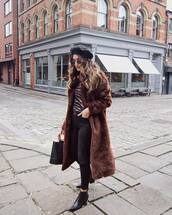 coat,long coat,faux fur coat,brown coat,black jeans,jeans,skinny jeans,boots,handbag,round sunglasses,printed blouse,zebra print