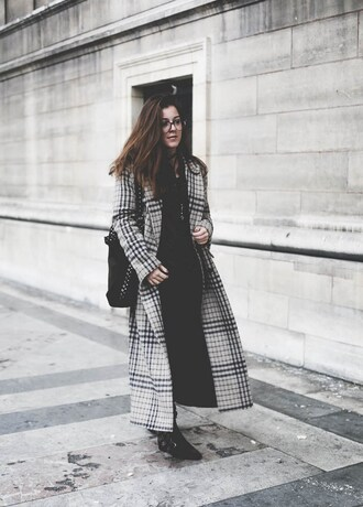 elodie in paris blogger coat shirt shoes bag jewels winter outfits long coat grey coat black bag boots