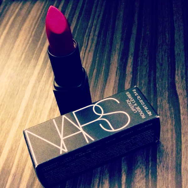 make-up fuschia lipstick by nars (funny face 1009)