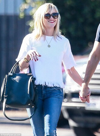 top frayed top white top celebrity style celebrity jeans denim bag black bag reese witherspoon sunglasses black sunglasses