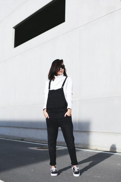 lucitisima blogger overalls black and white