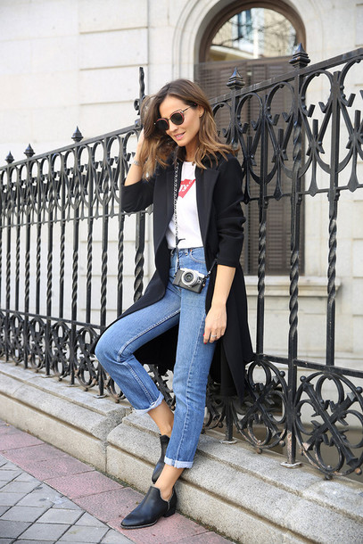 lady addict blogger sunglasses jewels streetwear