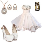 dress,white dress,shoes,jewels,cream dress with silver sparkles,white,checkers,silver,sparkly dress