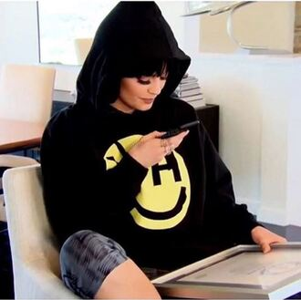sweater sweatshirt hoodie instagram kylie jenner keeping up with the kardashians kardashians smiley emoji print black sweater