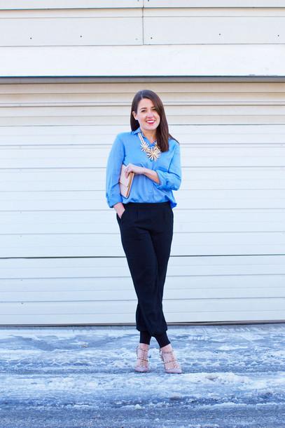 sequins and stripes blogger blue shirt statement necklace black pants