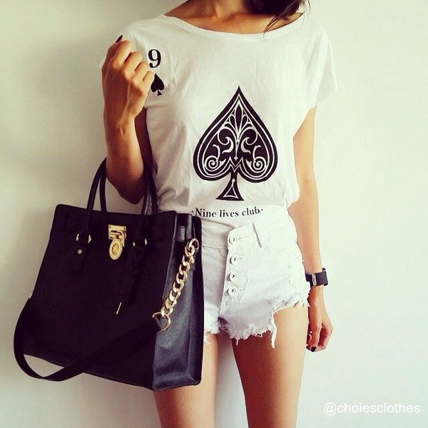 t-shirt white t-shirt cards fashion women style shorts summer outfits black black and white shirt cool girl style bag t-shirt roll up sleeve muscle tee