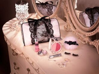 bag makeup bag make-up silver black lace laced laces bow cute sweet smart beautiful cool nice
