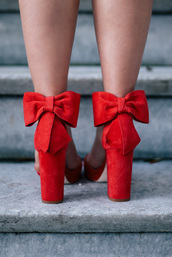 shoes,tumblr,red heels,high heels,heels,bow,bow shoes,sandals,sandal heels,high heel sandals,block heels,thick heel,holiday season