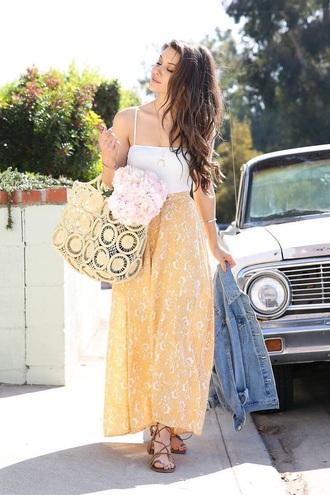 bag straw bag skirt yellow skirt top tote bag maxi skirt white top spring outfits