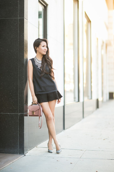 wendy's lookbook blogger bag jewels louis vuitton statement necklace