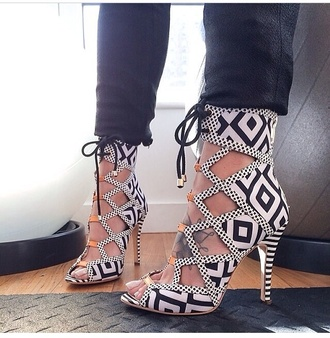 shoes pattern high heels fashion blackabdwhite