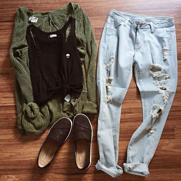 5c0e8a29455 top, brandy melville, crop tops, ripped jeans, cardigan, black shoes ...