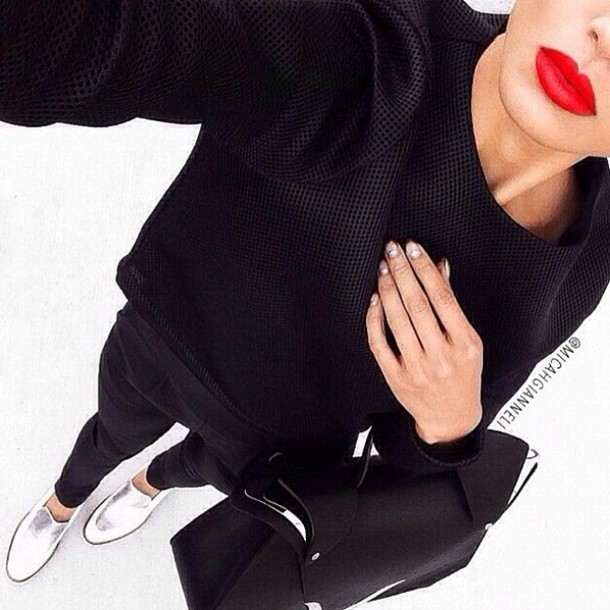 sweater black shirt simple black shirt red lipstick bag black only white lipstick cardigan jacket jumpsuit shoes black cardigan style black? top crop tops jersey top pants shorts silver shoes dope style stylish trendy trendy trendy fashion inspo on point clothing casual street streetwear blouse silver red