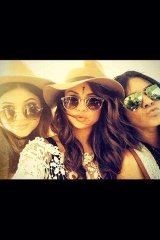 sunglasses selena gomez kylie jenner kendall jenner