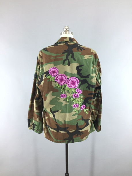 7ac7290f40354 coat fashion camouflage camouflage jacket vintage jacket army green floral  floral embroidery embroidered embroidered jacket embroidered
