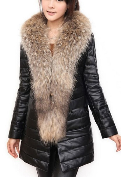 c28a46154 Jacket, 50£ at wots-hot-right-now.com - Wheretoget