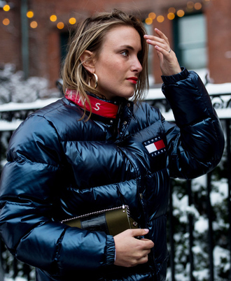 jacket tumblr nyfw 2017 fashion week 2017 fashion week streetstyle puffer jacket tommy hilfiger black jacket down jacket earrings hoop earrings gold earrings jewels jewelry gold jewelry bag green bag