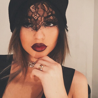 hair accessory kylie jenner hat beanie lace jewels black laced headpiece style sexy fashion tumblr tumblr girl make-up necklace dark red dark lipstick amore bracelet kylie beanie red hat sexy black k jenner hats and beanies winter hat