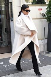 white coat,kim kardasian,kim kardashian,jacket,coat,white,shoes,celebrity style
