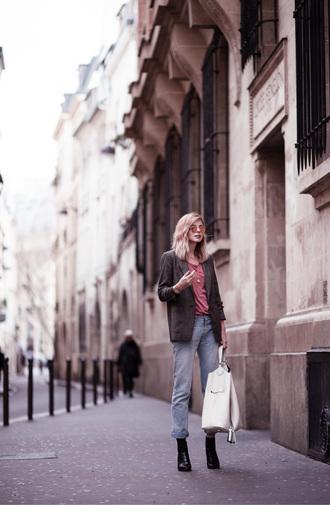 bekleidet blogger t-shirt jacket jeans shoes bag coat