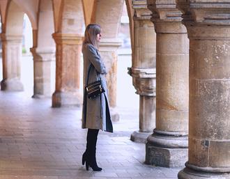 bekleidet blogger grey coat coat blouse bag shoes skirt
