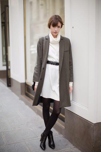 into your closet blogger coat dress belt bag shoes