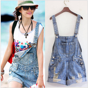 Available!!2013 New Fashion women denim shorts with suspenders, hot pants loose big pockets sweet jeans overalls jumpsuits-inJeans from Apparel & Accessories on Aliexpress.com