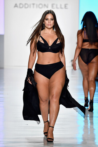 underwear nyfw 2017 ny fashion week 2017 runway model curvy plus size ashley graham bra bralette black panties