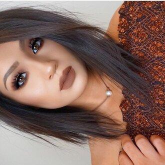 make-up fall makeup look tumblr dark lipstick lipstick eye makeup eyeliner eye shadow straight hair short hair choker necklace necklace eyebrows