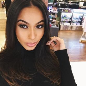 make-up faded brows contour smokey eyes caramel