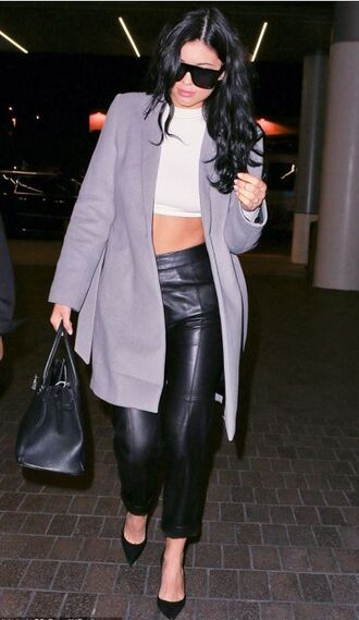 top pants leather leather pants crop tops pumps coat kylie jenner fall outfits purse sunglasses