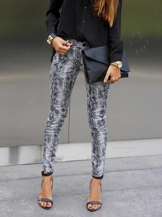 pants leggings jeggings jeans snake heels grey black gold watch clutch skinny snake print pants snake skin snake print skinny jeans skinny pants skinny leg clothes