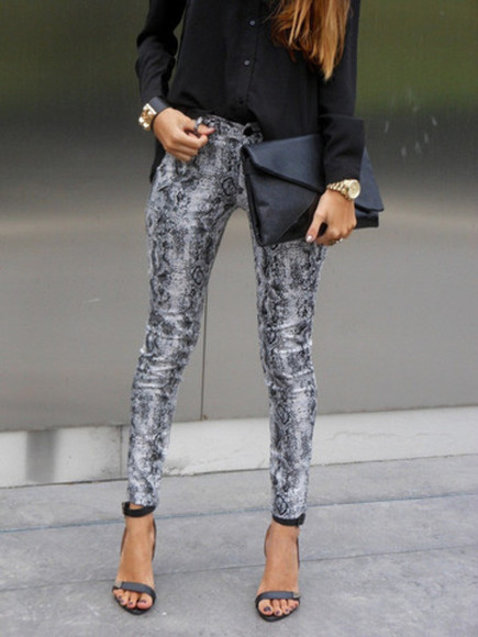 snake pants leggings jeggings jeans trousers high heels shoes grey black gold watch clutch shirt bag stilettos skinny snake print pants snakeskin snake print skinny jeans skinny pants skinny leg clothes