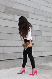 stylish petite,blogger,sweater,jeans,coat,shoes,bag,jewels,make-up,bell sleeves,black jeans,animal print bag,clutch,blouse,black skinny jeans,skinny jeans,pouch,printed pouch,leopard print,white blouse,three-quarter sleeves,pumps,pointed toe pumps,high heel pumps,pink shoes,pink heels,long hair,spring outfits