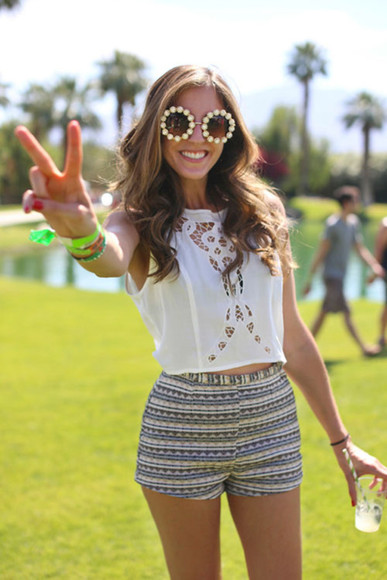 sunglasses flowers round cute summer colourful hippy boho hipster pretty sun shirt