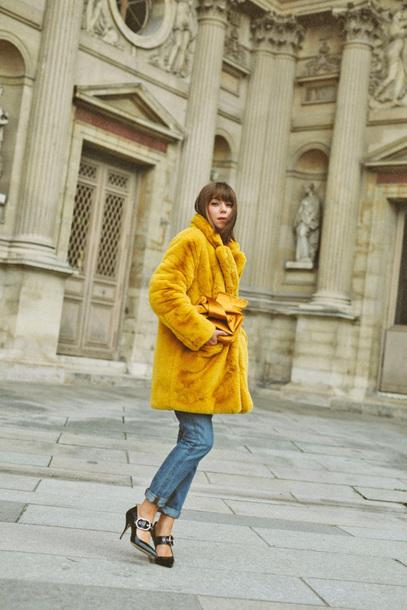 coat tumblr yellow yellow coat fur coat denim jeans blue jeans shoes black shoes