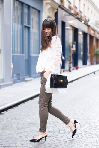 meet me in paree blogger cardigan shoulder bag patent leather bag black bag bag top white top pants grey pants slingbacks black shoes mid heel sandals spring outfits patent bag