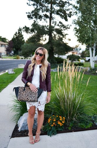 all dolled up blogger lace dress white lace dress leather jacket animal print animal print bag