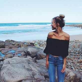 blouse shirt strapless black t-shirt black t-shirt jeans top casual off the shoulder sleeve off the shoulder top sleeveless top black top cute top peasant top black blouse shoulders scrunched sleeves long sleves