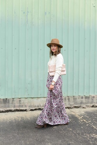 live more beautifully blogger sweater skirt hat jewels shoes bag maxi skirt floral skirt