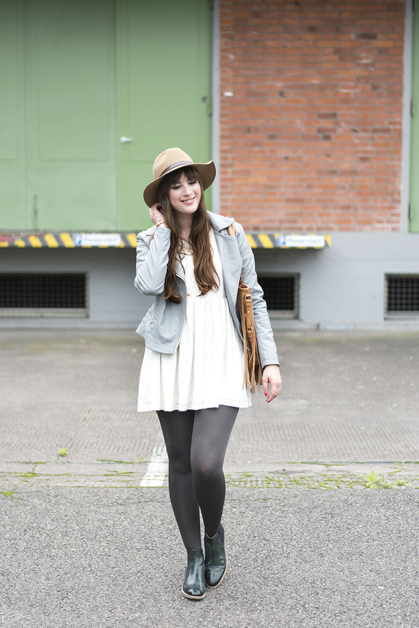 andy sparkles blogger tights shoes jewels bag jacket