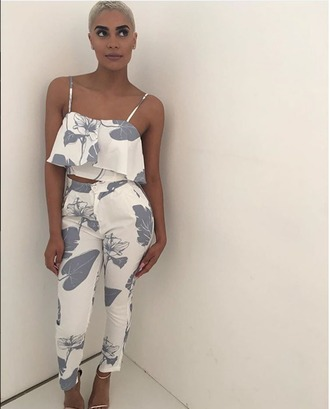 pants pant set blue pants white pants blue and white floral summer outfits floral pants spring outfits