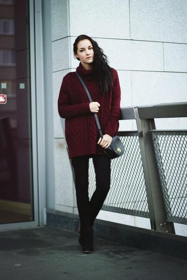 leona meliskova sweater jeans shoes bag