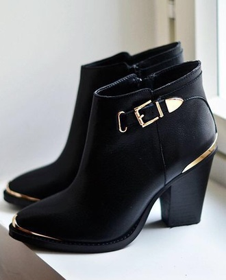 ankle boots buckles