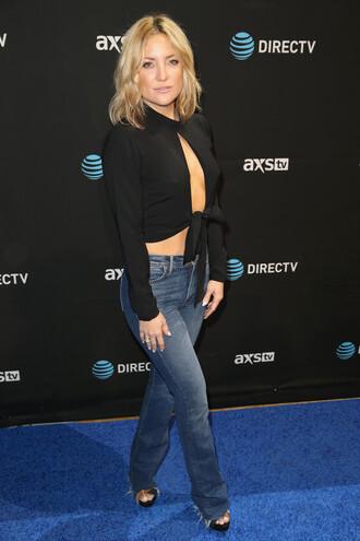 top crop tops denim kate hudson sandals black crop top black jeans