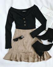 top,black top,skirt,beige skirt