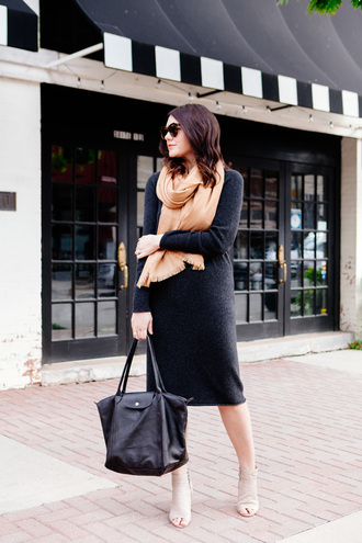 kendi everyday blogger dress knitted sweater black leather bag