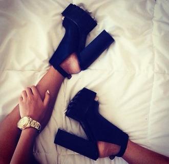 shoes love shoe porn dress fashion cute high heels black high heels cut-out beautiful style black white gold